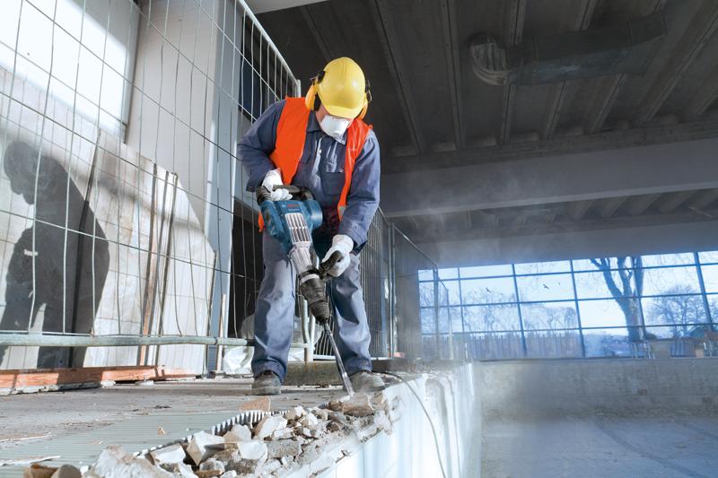 Демонтажные работы в Томске. Алмазная резка проемов, снос стен. Демонтажные работы любой сложности и объема. Допуски и оборудование.
